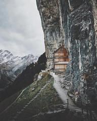 🌍 Switzerland    theolator