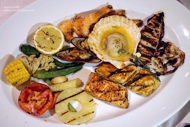 台南美食|遠東香格里拉。The Mezz牛排龍蝦館