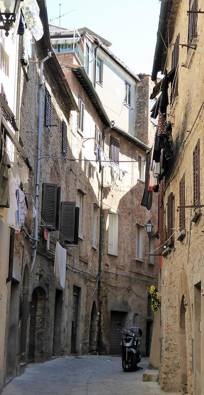 In den Gassen von Volterra.