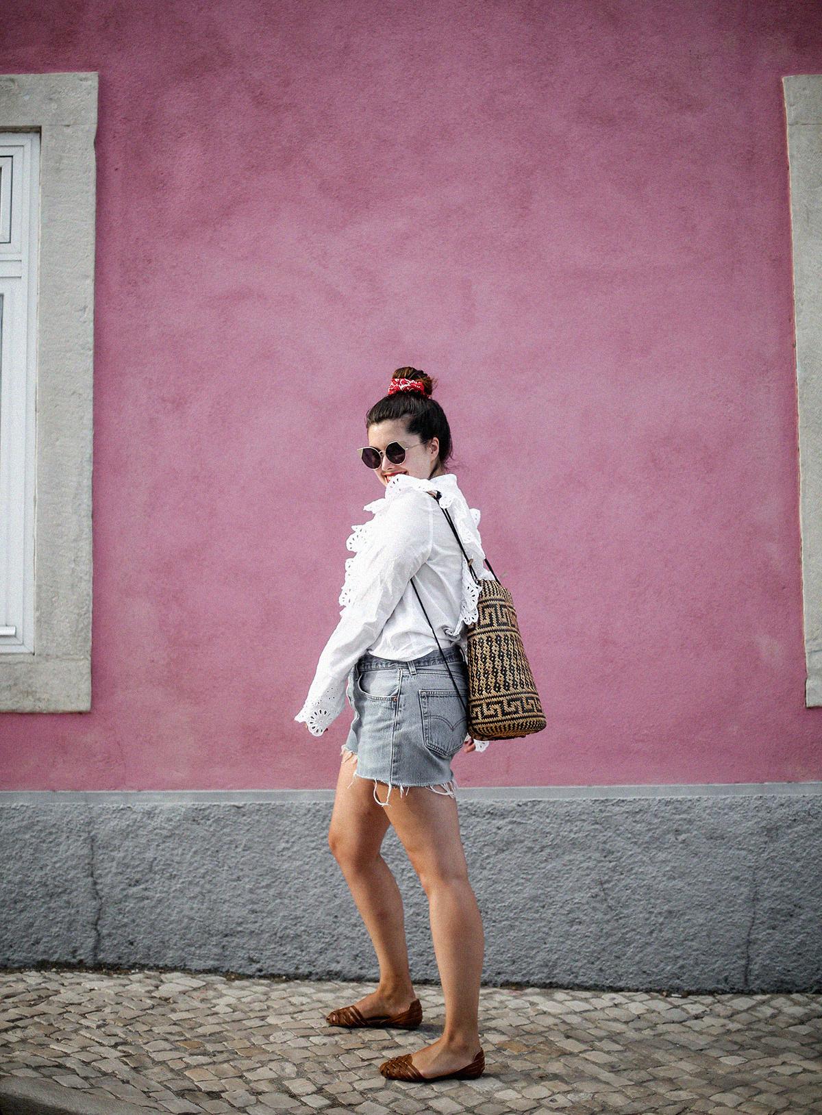 pañuelo-cabe-zacamisa-volantes-shorts-levis-outfit-myblueberrynighsblog-lisboa2