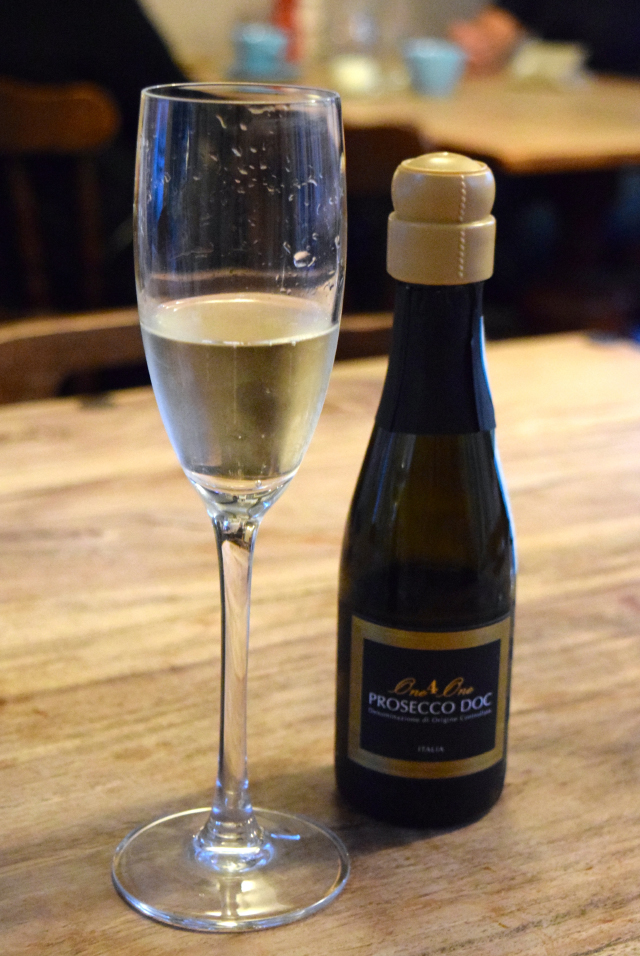 Prosecco at The George, Molash | www.rachelphipps.com @rachelphipps