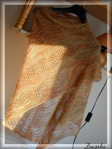 oldshaleshawl, knitting, lace, superwashmerino, bambus, handdyed, freepattern