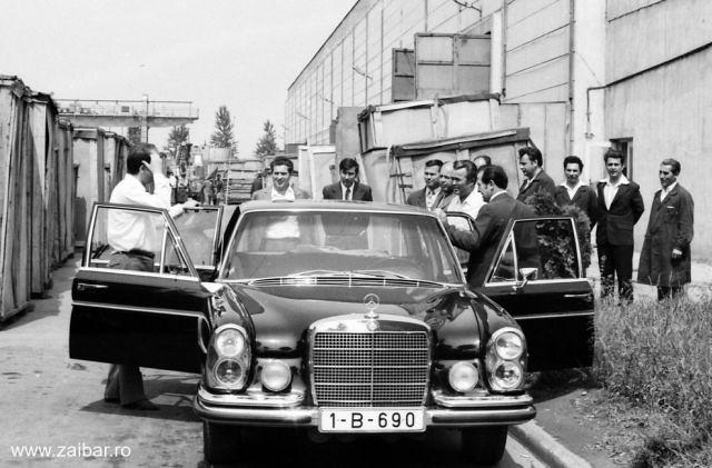 Milionarii de azi ai Romaniei sunt fosti membri ai clanului Ceausescu