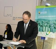 Assinatura do Termo de adesão  ao Programa Sala Mineiro do Empreendedor.
