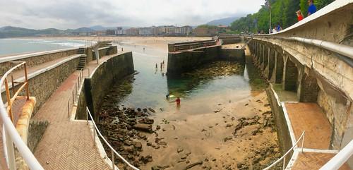 Mareas vivas con marea baja en el puerto de Zarautz