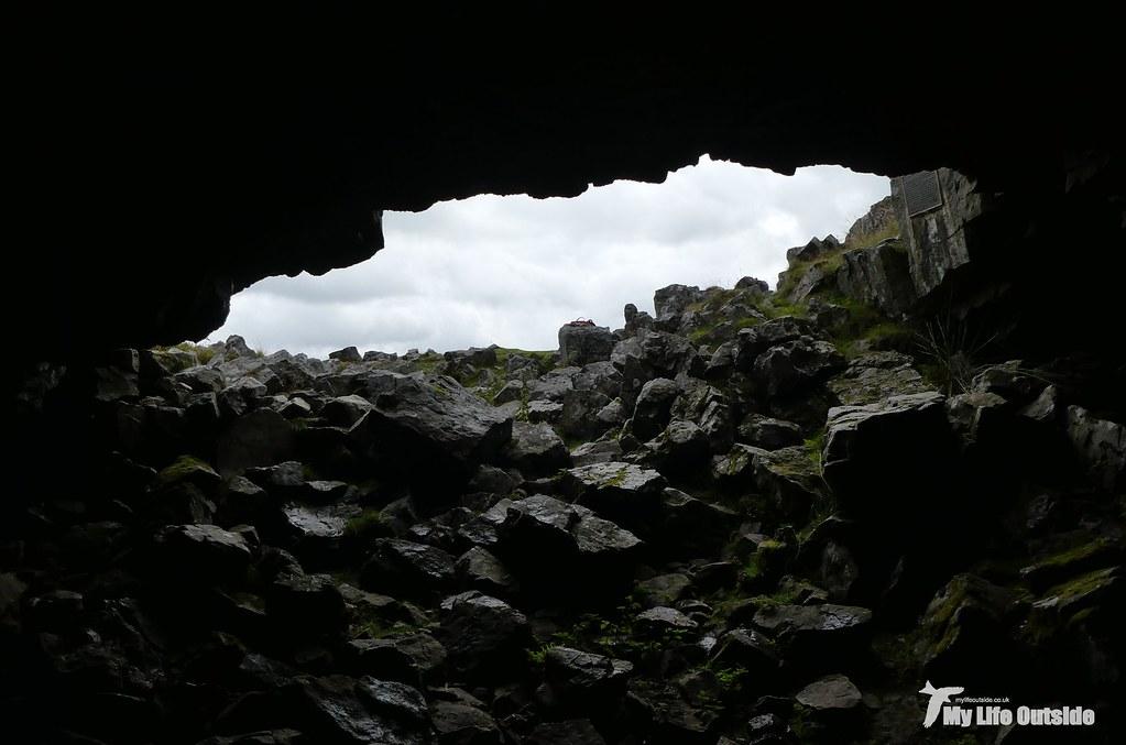 P1100590 - Chartist's Cave, Trefil