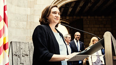 Sat, 16/09/2017 - 13:18 - Ada Colau rep els alcaldes i alcaldesses de Catalunya citats per la Fiscalia General de l'Estat en relació a l'1-O