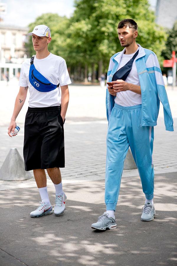 白Tシャツ×黒ハーフパンツ×Nikeエアヴェイパーマックス&ライトブルージャージセットアップ×白T×フライニットNikeエアマックスプラスグレー
