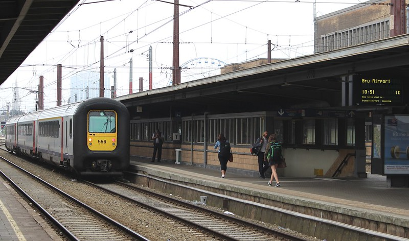 Brussels: train to the airport departs Midi (Zuid/South) station