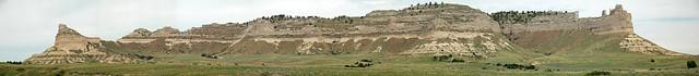 Arikaree Group sandstones over Brule Formation (Miocene-Oligocene; Scott's Bluff, Scott's Bluff National Monument, Nebraska, USA)