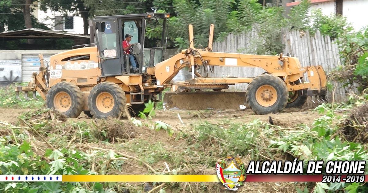 Municipalidad realiza limpieza de solares baldíos en ciudadela González