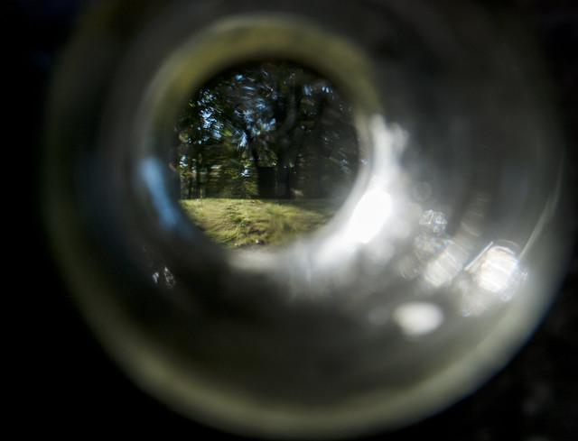 glass hole, Nikon D80, AF-S DX Zoom-Nikkor 18-70mm f/3.5-4.5G IF-ED