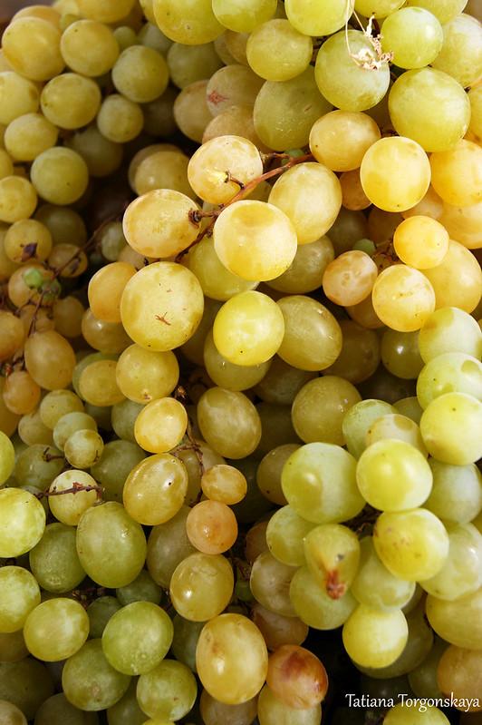 Грозди винограда
