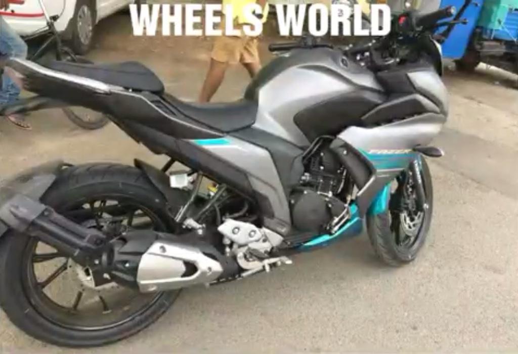 Yamaha-Fazer-250-spied-walkaround-right-side