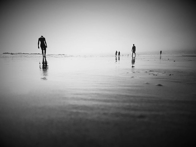 Isolation #benheinephotography #beach #plage #maroc #morocco #sea #mer #ocean #agadir #couple #love #nofilter #sand #landscape #paysage #escapade #walk #music #musique #nature #beauty #silhouette