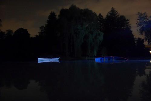 barques sur le lac de la porte dorée (Bois de Vincennes - Paris)