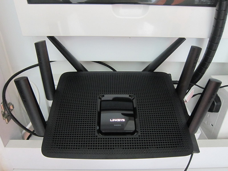 Linksys EA9300 - Plugged In