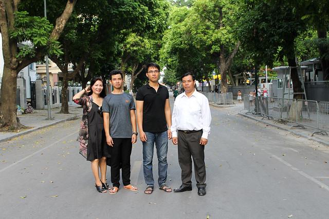 Gia đình gì Hạnh