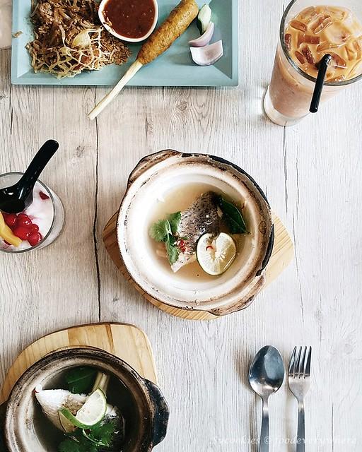 1.Tiger Lily Thai Restaurant @ Melawati Mall