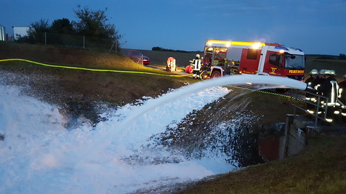 fire extinguishing foam