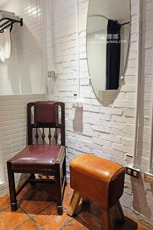 台南民宿正興延平公寓客廳椅子