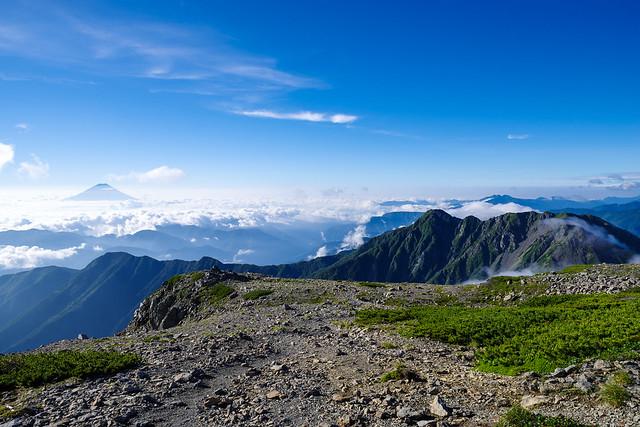 農鳥岳と富士
