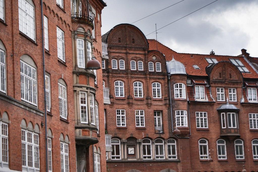 Façades en brique des beaux quartiers d'Indre By dans le centre de Copenhague.