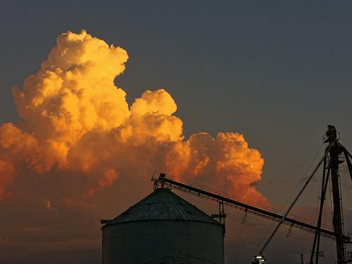 cameronmissiouri sunset cloud grainbin