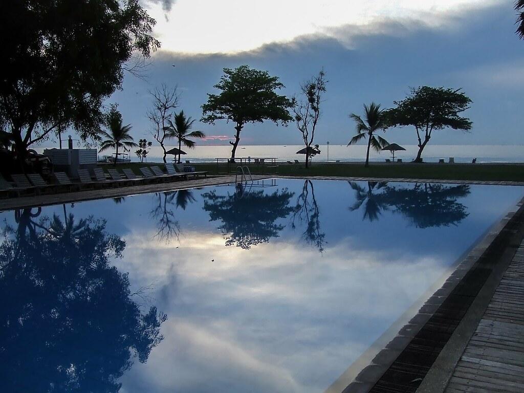 L'aube sur l'Océan Indien 36947861311_ab0764f6b4_b
