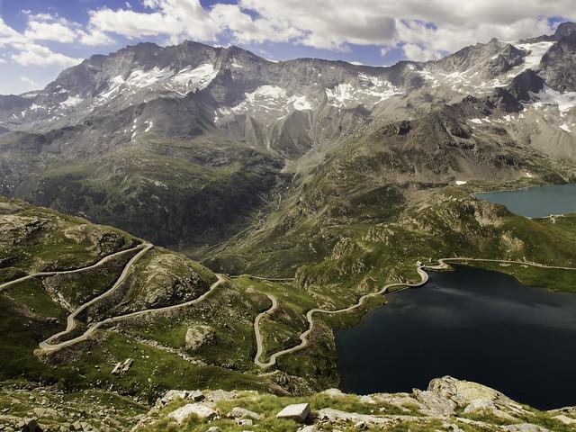 Winding road, Gran Paradiso National Park