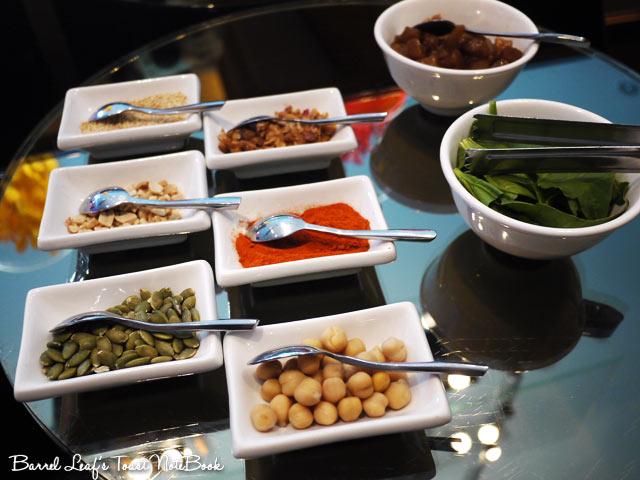 ambassador-hotel-aqua-lounge-buffet (13)