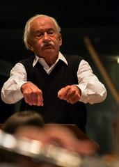 Ernst Mahle, maestro