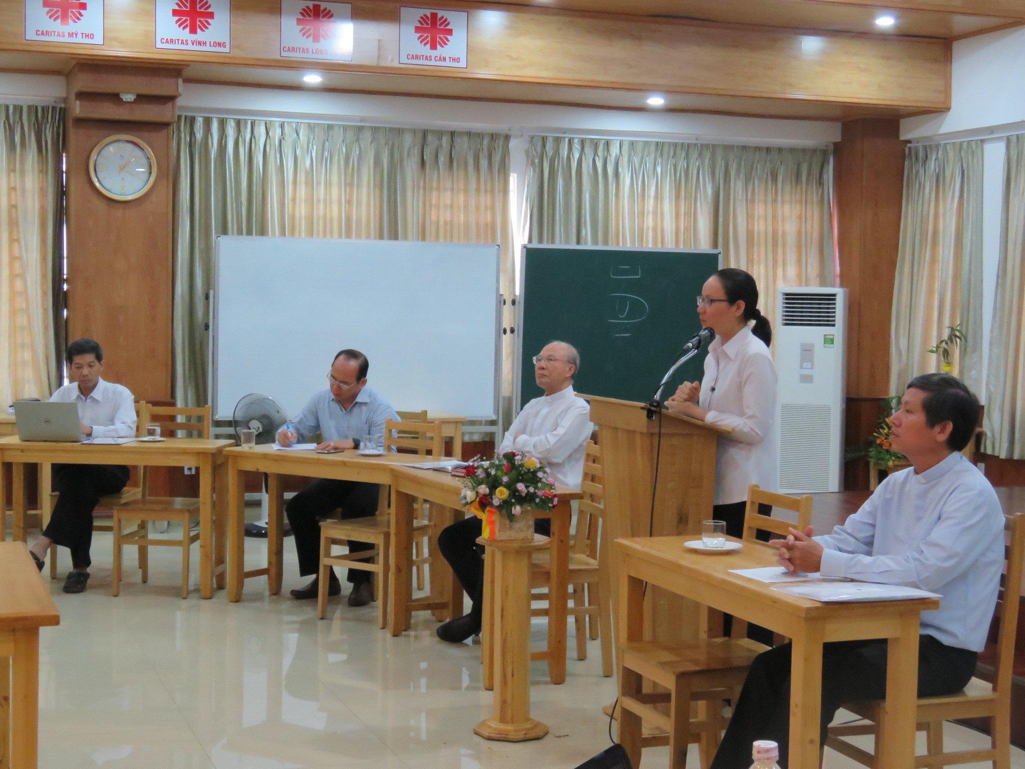 Quang cảnh ngày khai giảng tập huấn đồng hành mục vụ hè 2017