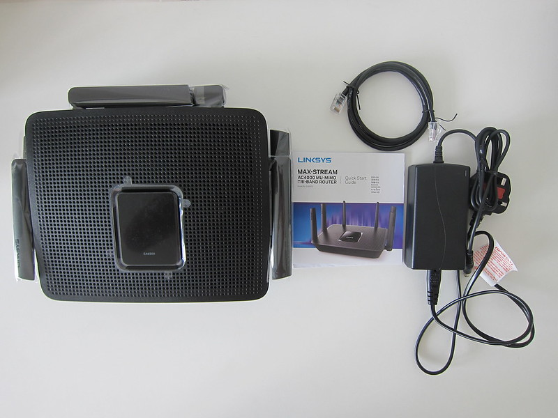 Linksys EA9300 - Box Contents