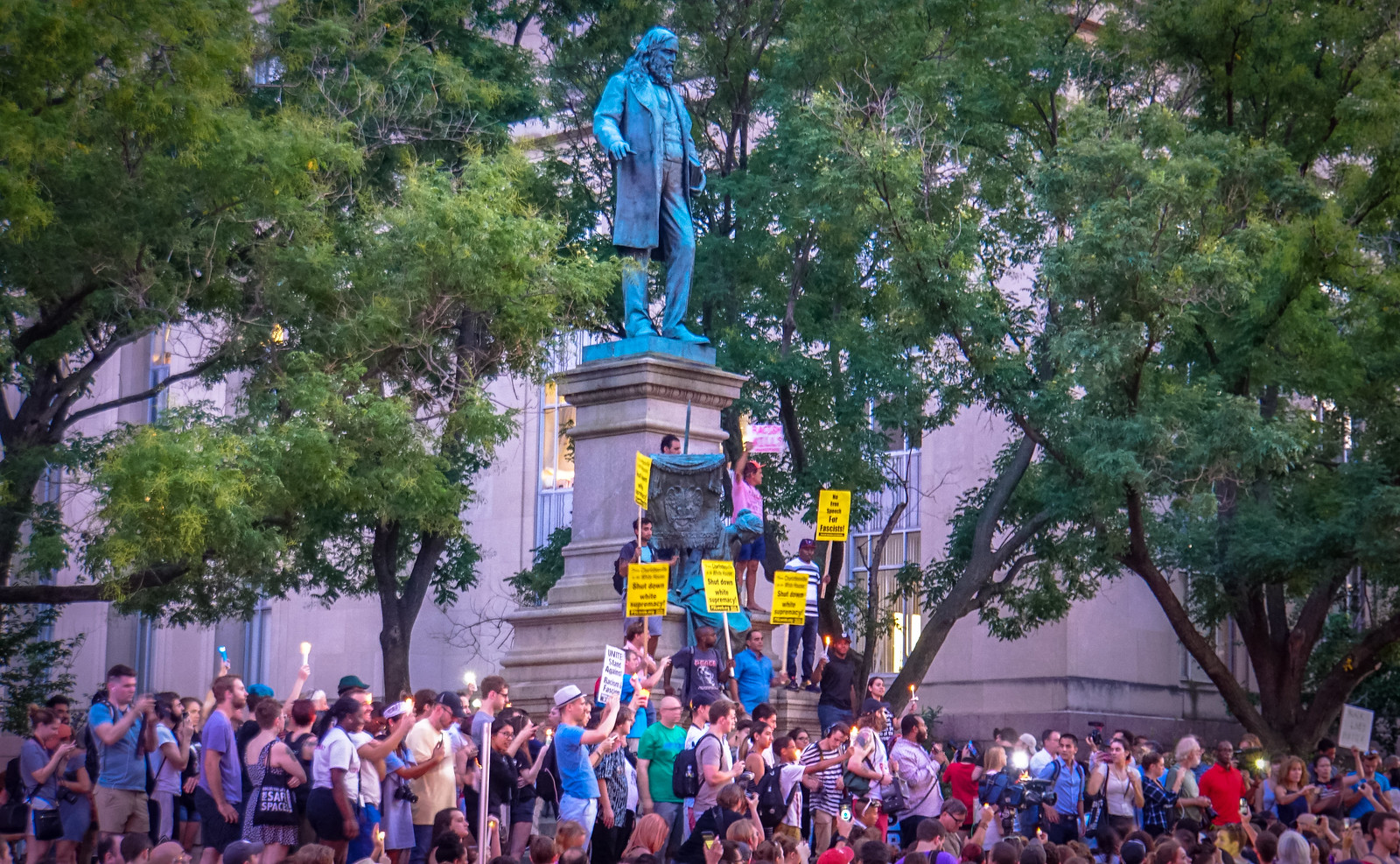 Thanks for publishing my photo @DCist in Mayor, D.C. Councilmembers Want Statue Of Confederate General On Federal Land Removed