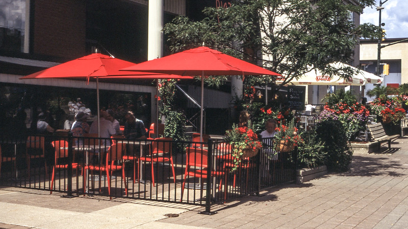 Piazza Bistro Patio_