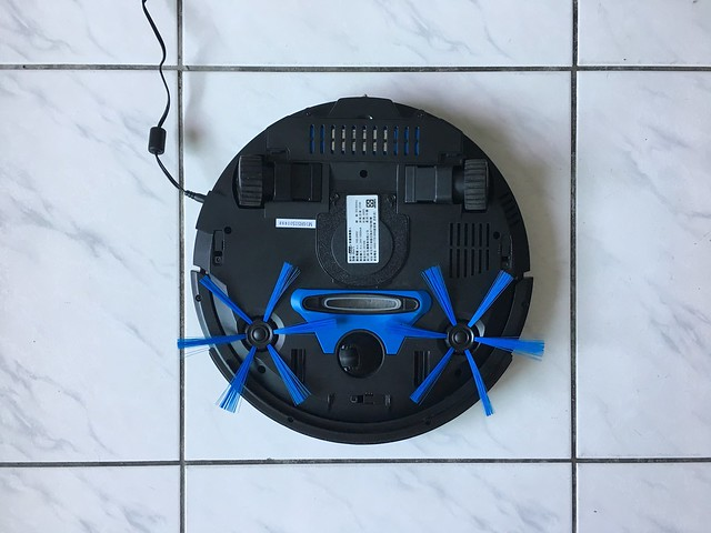 裝好毛刷的樣子@Zero S 掃地機器人