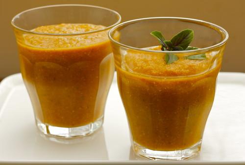 Corn zucchini tomato soup