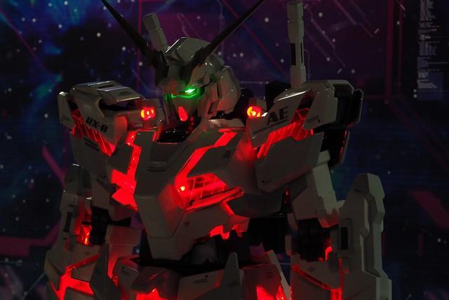 Gundam Unicorn 1/20: Light Emitting Edition