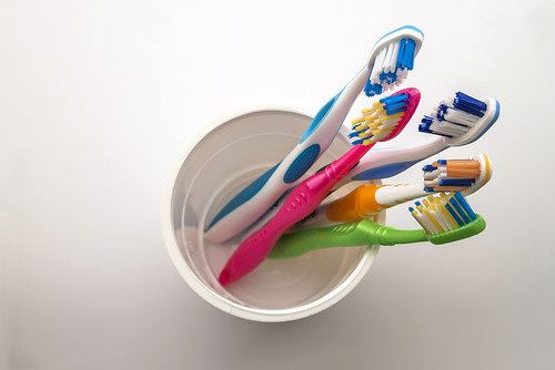Коли зубна щітка стає ворогом. Медицина - Новини Рівного та області - Рівне  Вечірнє 973d071a81f84