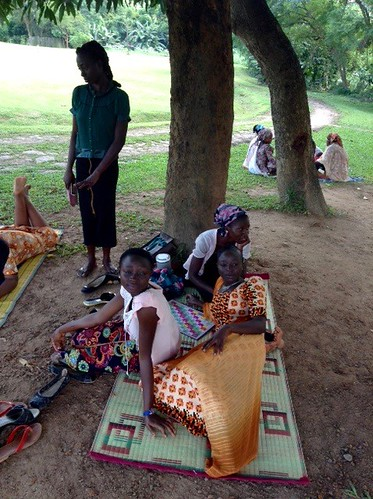 womenenjoyingarelaxingafternoonin millenniumpark fct abuja nigeria jujufilms