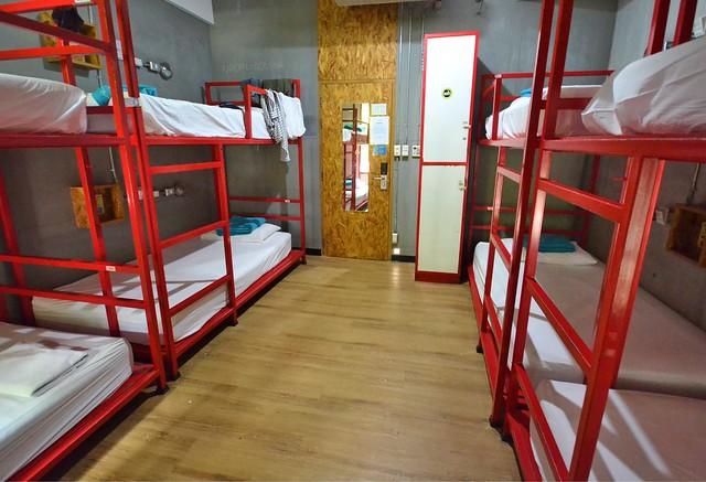 lub d bangkok silom dorm room