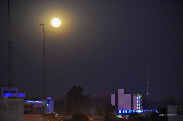 Luna llena en un cálido invierno