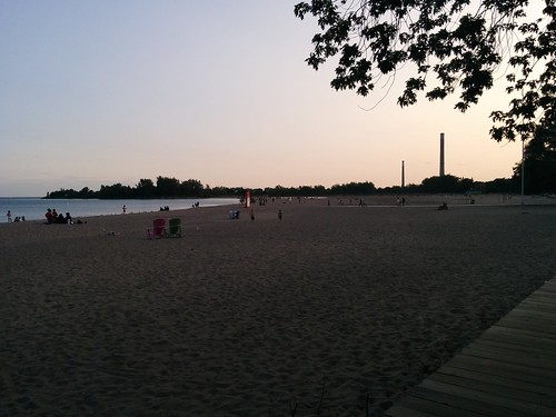 Evening by the boardwalk #toronto #woodbinebeach #beaches #lakeontario #evening #boardwalk #latergram