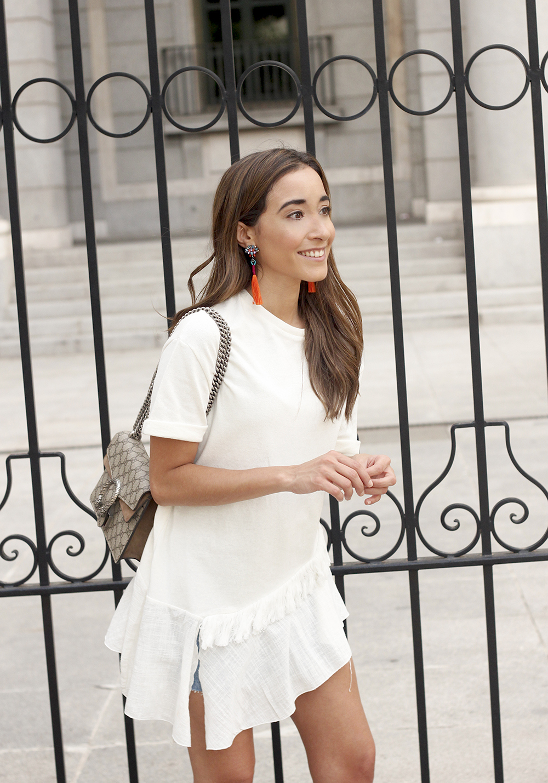 white blouse denim skirt carolina herrera sandals gucci bag summer girl outfit17