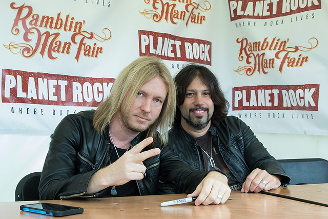 kenny wayne shepherd in the signing tent -Ramblin' Man Saturday copy