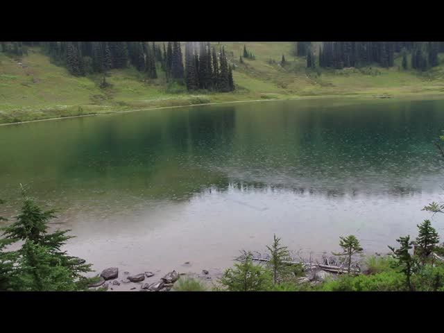 2464 Video of rain falling on Image Lake
