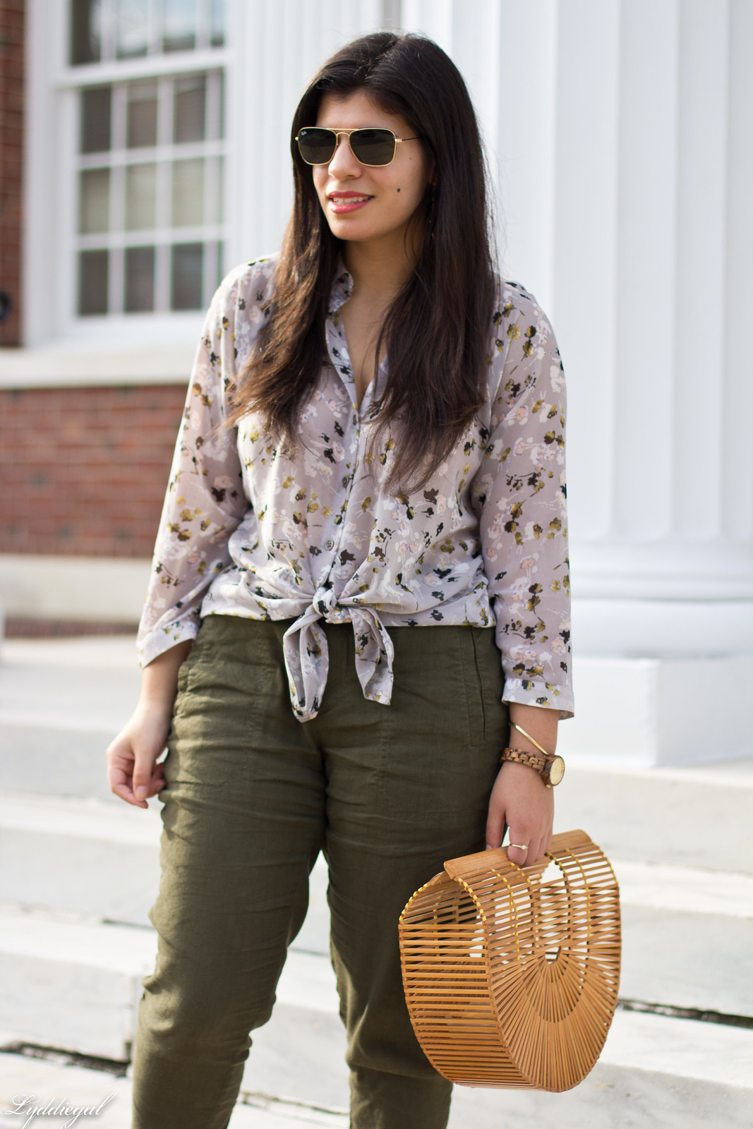 green linen joggers, floral blouse, jord wood watch, bamboo bag-7.jpg