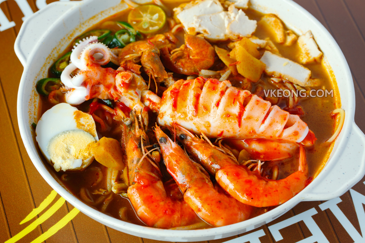 Melaka Mee Kari Sungai Putat Seafood Special