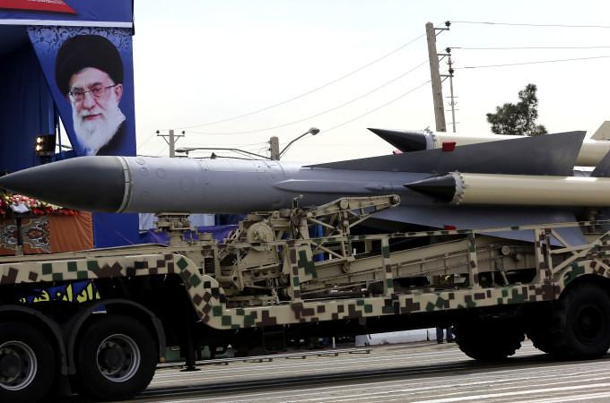 S-200-parade-iran-201404-nyp-1